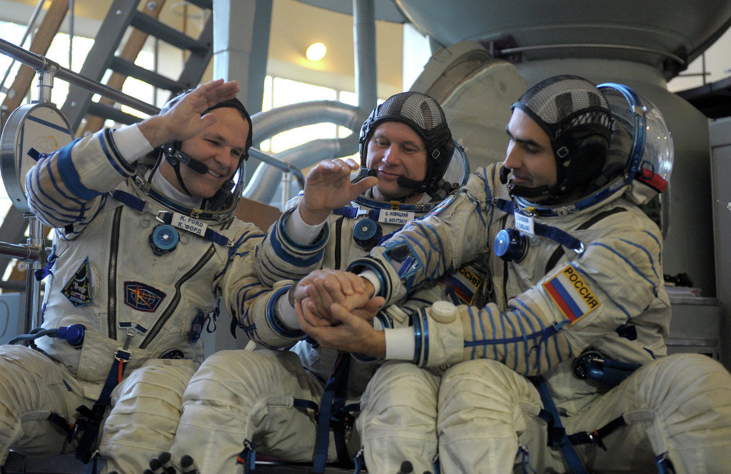 fyeahcosmonauts:  Hopefully tonight the Soyuz TMA-06M will be able to land, yesterday's attempt was canceled due to bad weather in Kazakhstan. Here's tonight's schedule: Hatch closure: 4:25 pm ET (1:25 pm PT) Undocking from ISS: 7:43 pm ET (4:43 pm PT) Deorbit burn: 10:13 pm ET (7:13 pm PT) landing near Arkalyk, Kazakhstan: 11:05 pm ET (8:05 pm PT) You can watch here, all going well.