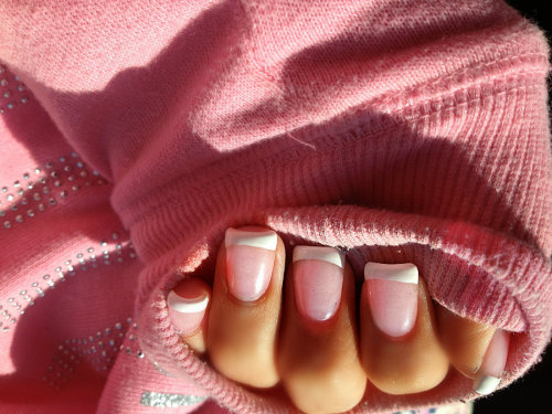 way2fab4you:  pinkdahzy:  l-ush:  lovely nails  Pinkdahzy   bubblegum&rosy blog♡