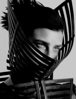 edge-to-edge:  Gareth Pugh SS12 Jana Knauerova for Black Magazine Spring/Summer 2012 by Andy Eaton