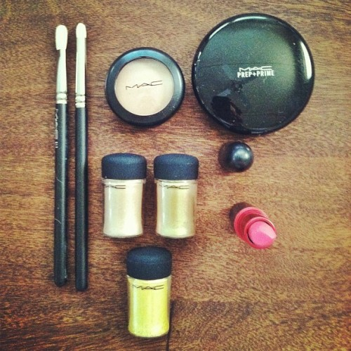 Delivery from @maccosmetics. Gold pigments, baby!