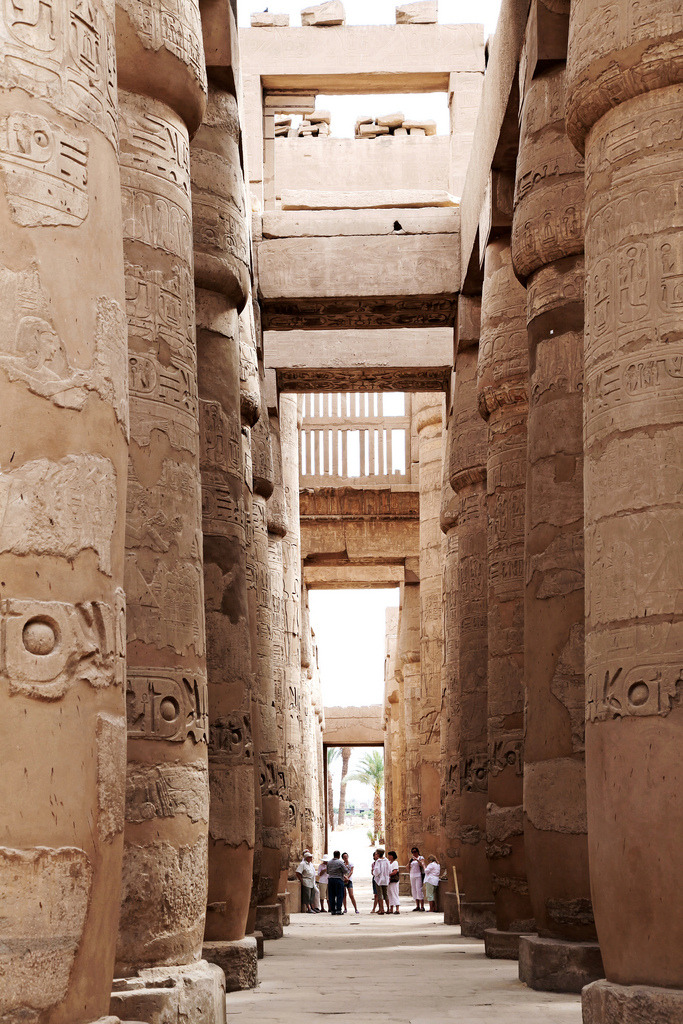 vurtual:  Huge columns in Karnak temple, Luxor, Egypt (by aygulmipo)
