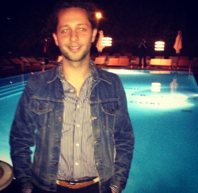 Cool blue. Derek Blasberg, fresh off a plane from Scotland, enjoying the warm Miami December at our Art Basel event.