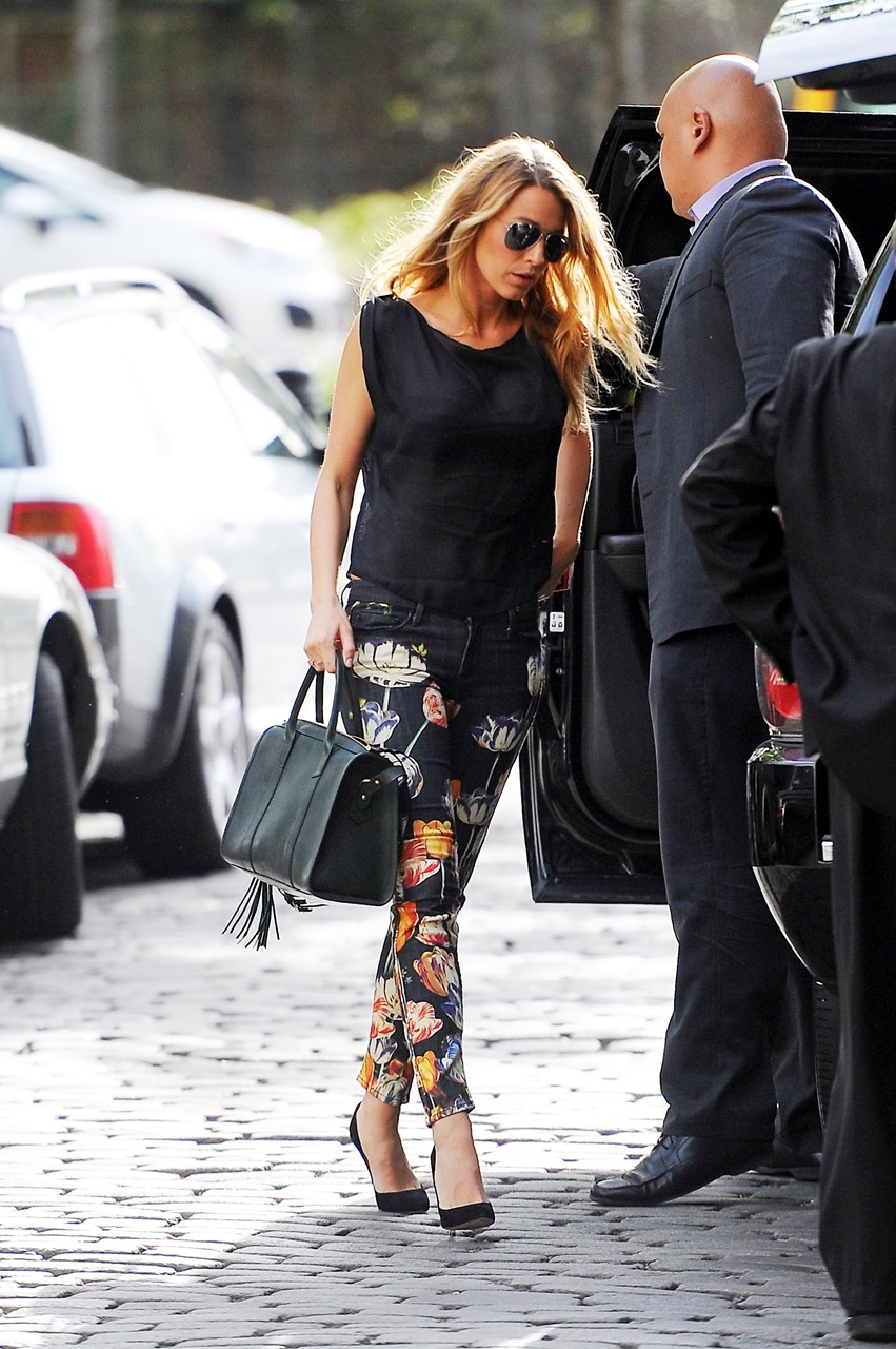 lovingblakelively:  Blake Lively coming in the Jane hotel in West Village     via Reblog for iPad