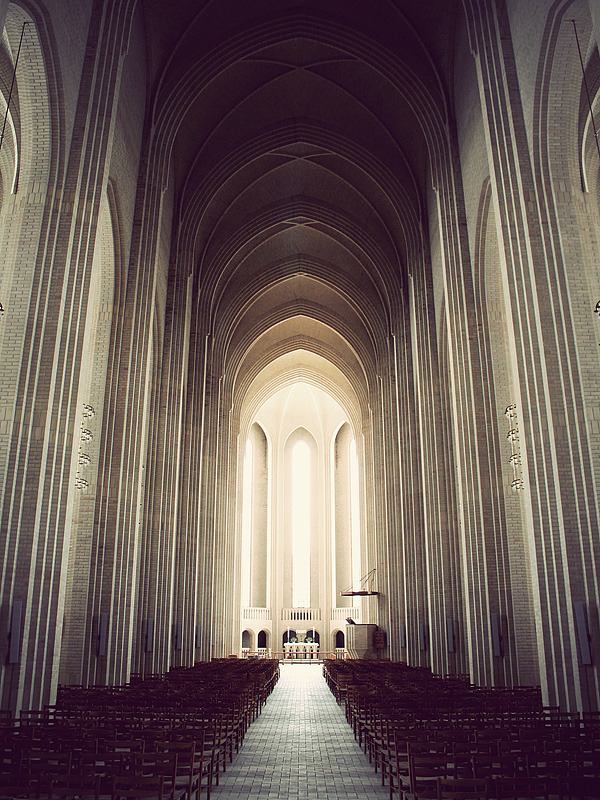letsbuildahome-fr:  Grundtvigs Church by Kim Høltermand