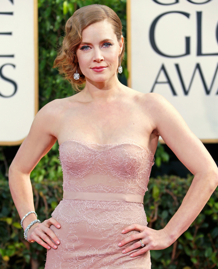 Amy Adams kicked off red carpet season in dazzling fashion in Lucida® earrings and Tiffany diamond bracelets at tonight's Golden Globe® Awards.