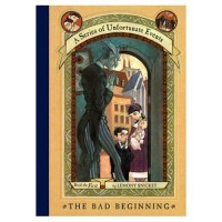 30 DAY READING CHALLENGE Day 04:  Favorite book of your favorite series.    Hmmmmm. Hindi ko pa naman nababasa lahat ng book nito eh. Pero ito na lang. Hahaha :))) Book 1: The Bad Beginning.