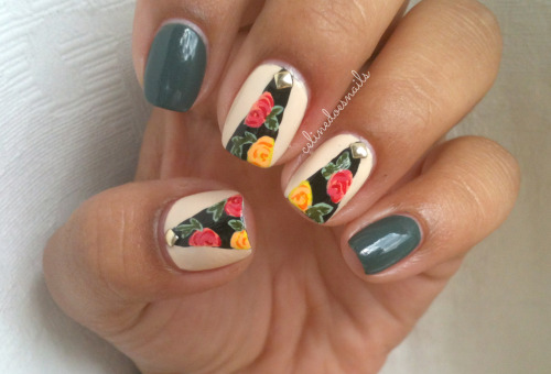 celinedoesnails:  Inspired by these wraps. I really love florals.