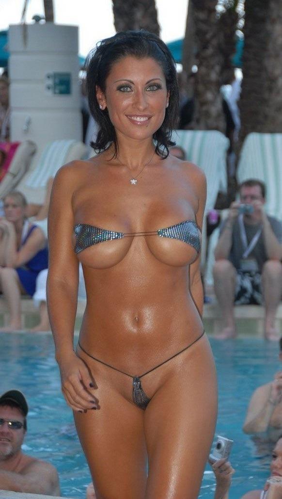 Ebony bikini model contest