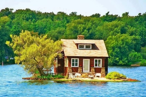 Island House, Thousand Islands, Canada photo via digger