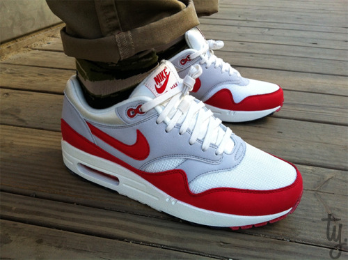 regularolty:  #shoesfortheday Nike Air Max 1 OG. Lil yella won't hurt nobody. Forgot how great the AM1 feel, its been a minute. #ijustlikeshoes #kicksfortheday #kotd #todayskicks #complexkicks #soletoday #soleonfire #kicks0l0gy #nike #nikeair #nikeairmax #airmax1 #am1
