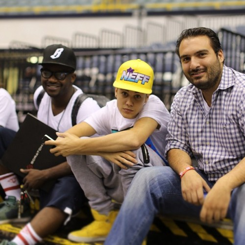 bieber-news:  johnny: with the g's @justinbieber and @djtayjames at the #believetour rehearsal