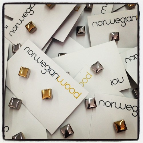 Special edition giveaway earrings for the Norwegian Wood popup shop! Ceramic studs with a metallic finish, in gold or silver! First 50 customers get a pair :)