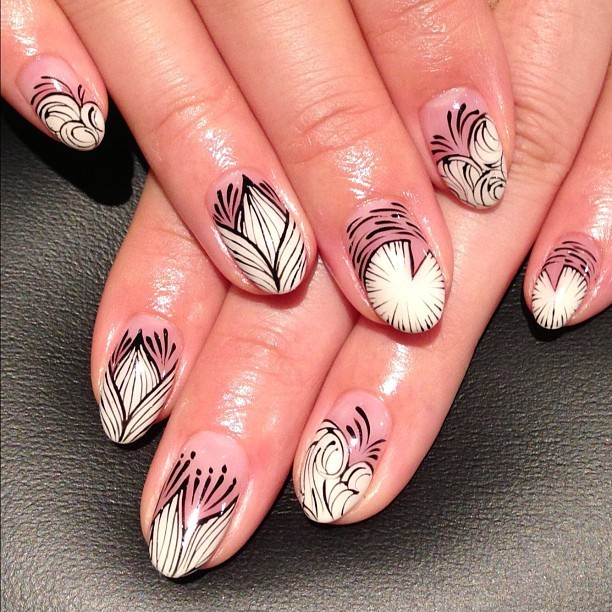 nailsalonavarice:  蓮イメージ和ネイル #nail #nails #nailart #art #design #avarice #kayo  (NailSalon AVARICE)