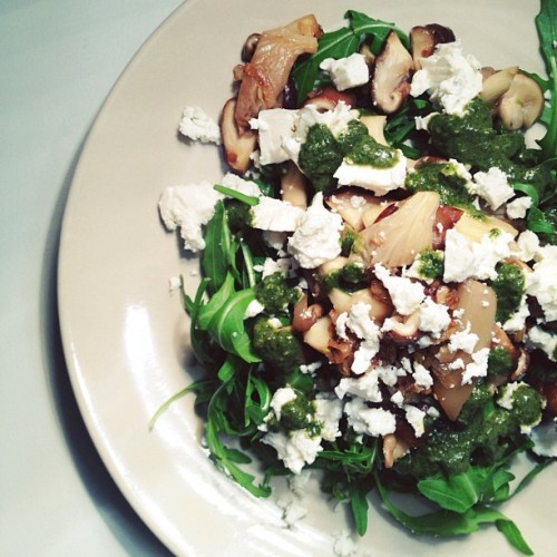 Shiitake+Oyster Mushroom Salad w. Feta & a Basil Vinaigrette. Recipe on the blog now.