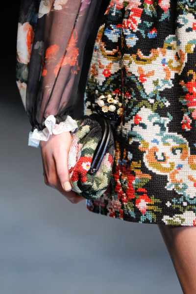 notordinaryfashion:  girlannachronism:  Dolce & Gabbana fall 2012 rtw details  Love