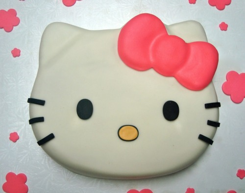 Tonight for YW I wanted to try make a ginger cake in a Hello Kitty Cake tin but the church had no scales so we couldn't measure the ingredient. It DID NOT turn out like this. It was burnt. (May 15th)