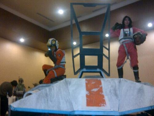 @SWDBDG: Our Rebel Pilot pose on Snowspeeder. #SWDJKT pic.twitter.com/3XFYLBBHtkPost from @SWDBDG on Twitter (via Scope)