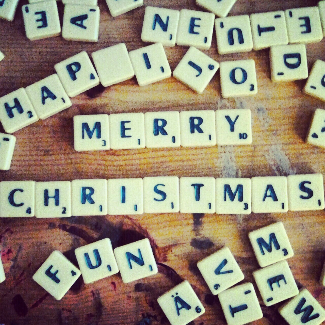 Did I say that I love scrabble? Yes? Okay… Merry christmas! :)