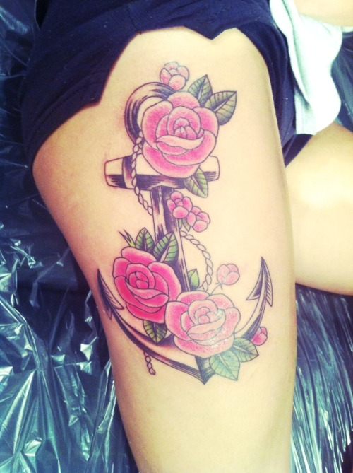 ashlleyxxbby:  This tattoo symbolizes a strong and stable family relationship (not finished) it will remain as my favorite tattoo.
