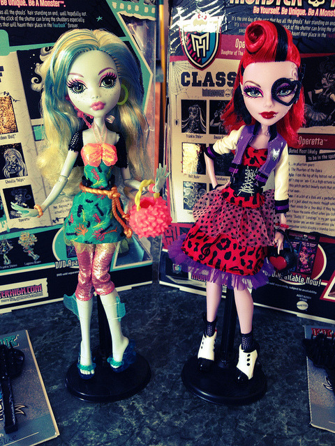 Picture Day Lagoona & Operetta by TrevorEverEver on Flickr.