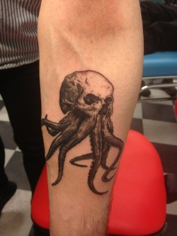Sebastian Lindén got this amazing tattoo of my octoskull drawing from Erika at Skäggiga Damen last week!