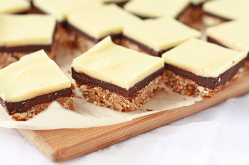 weeheartfood:  Nanaimo bars, reversed!