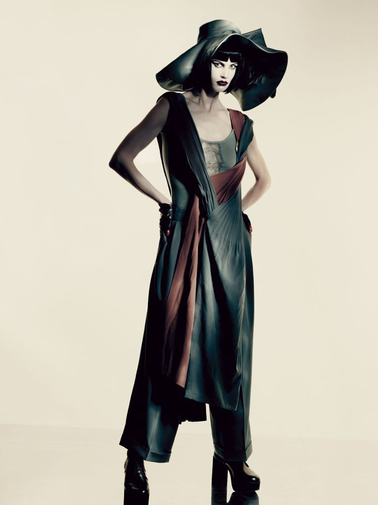 atropolis:  Saskia de Brauw for Interview Magazine: 'Yohji Yamamoto'  May 2013 issue by Paolo Roversi for more click here