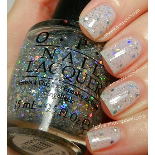 @opi_products Wich is Witch? over Dont Burst my Bubble. I adore this soft, fairy-like, look. #opi #nails #nailpolish #nailcolor #glitterynails #nofilter #cflbeautyblogger