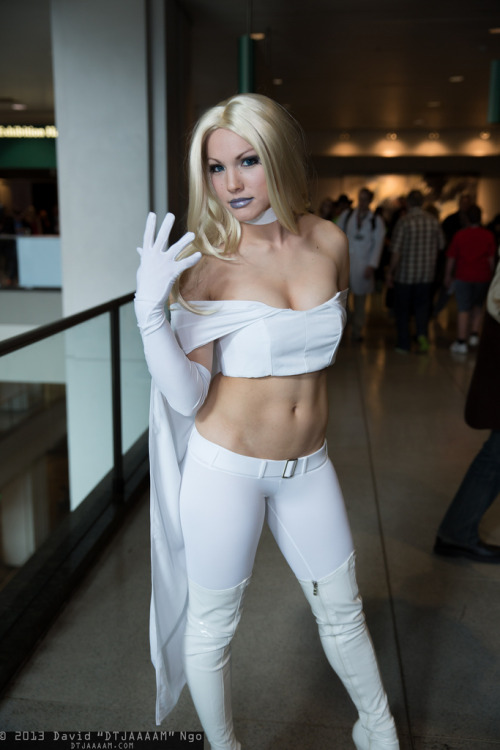 alicebathory:  keaneoncomics:  Emma Frost (by DTJAAAAM)  YOWZA love this