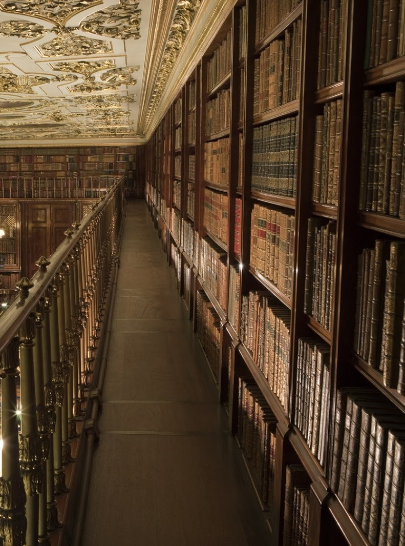 theladyintweed:  Beautiful Libraries:  Chatsworth House, England.