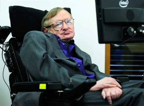 Six years after zero-G flight, Stephen Hawking is still set on space trip (Photo: Facundo Arrizabalaga / EPA) It's been six long years since world-famous physicist Stephen Hawking got a taste of weightlessness during a zero-G airplane flight from NASA's Kennedy Space Center — but he still wants to feel the real deal aboard Virgin Galactic's SpaceShipTwo rocket plane. Read the complete story.  Should Stephen Hawking should go into space or is it too risky?