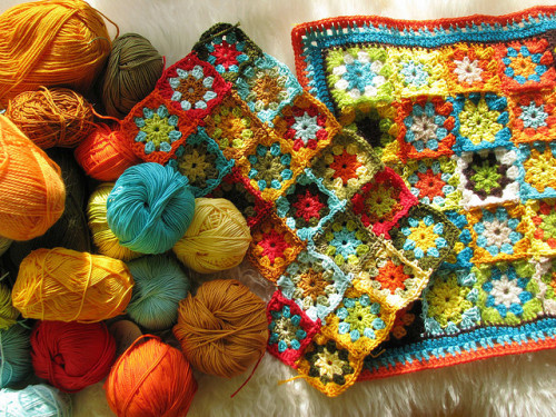 podkins:  Crochet and Yarn  Such a lovely colour combo.  Work by Vējš matos on Flick.    I have a little dog friend who would look super cute cuddling up on this…