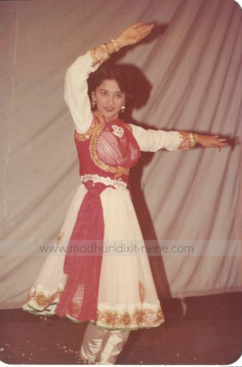 Madhuri DIxit Madhuri Dixit Nene Exclusive Rare Pictures Rare Pictures Of Madhuri Divine Beauty Ageless Beauty Godess Angel
