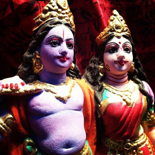 instakrishna:  …Shiva and Parvati…. #deity #decor #deityart #art #sculpture #hindu #hinduism #parvati #shiva #icons #iconic by robertdiamond http://instagr.am/p/VcNjqRpvTn/. Posted on February 07, 2013 at 11:03AM