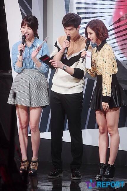 "[PHOTOS] Lee Jonghyun - MC pour ""SBS MTV - The Show: All About K-Pop"" (29/10/13) Tumblr_mvfi7uNSoC1qdhf3po4_r1_500"