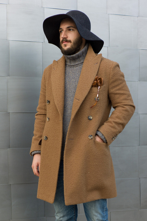 thesigother:  downeastandout:  Alessandro in boiled wool  restivo. hurting things.  JLo lookin ass……