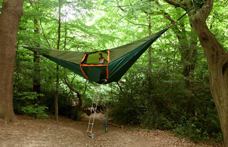 Suspended Tree Tent, California photo via besttravelphotos