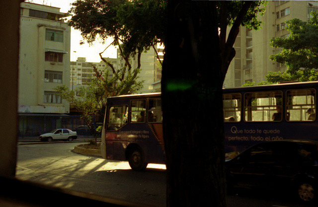 í,vamos on Flickr.transitando Caracas  analogue@FiverWeed twitter | flickr | tumblr | blogger | facebook