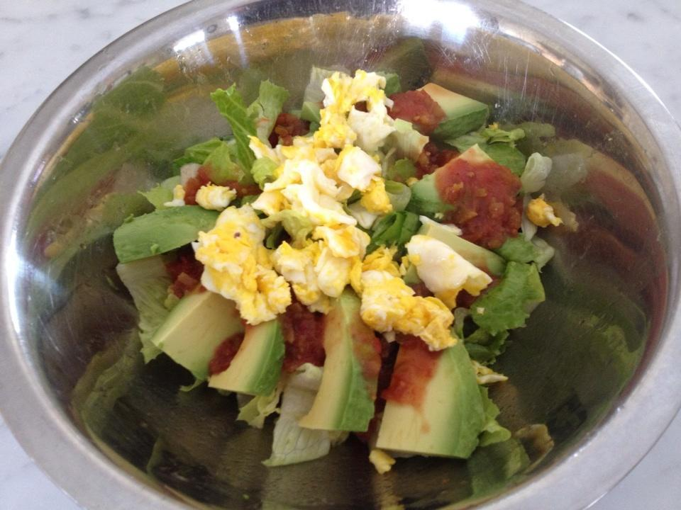 From Gastroposter Nicole Quinto: Huevos rancheros homemade salad…quick and easy.