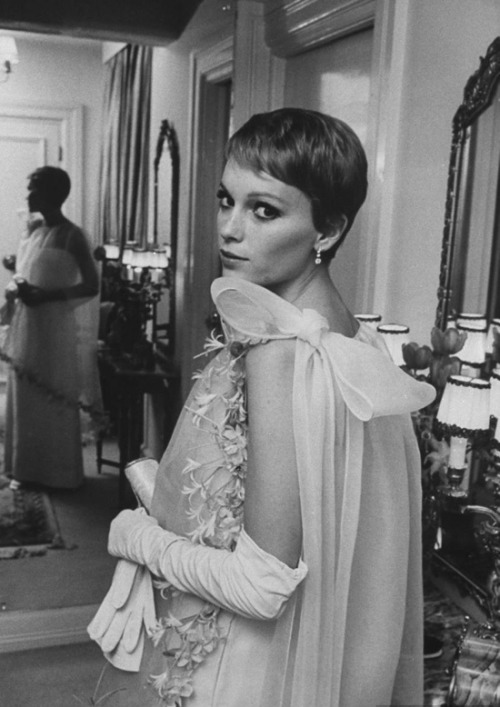 mizrach-mcclelland: Mia wearing Cardin - at Sinatra's townhouse - 1968.