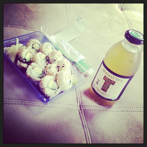 #lunch #yesterday #brownrice #californiaroll #sushi #greentea #honesttea @HonestTea