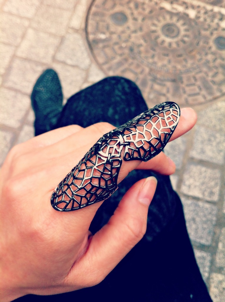 Zadig & Voltaire double ring I bought in Paris!   http://www.zadig-et-voltaire.com/eu/en/ring-woman-bague-double-noir-black.html  #zadig&voltaire #rings #jewellery