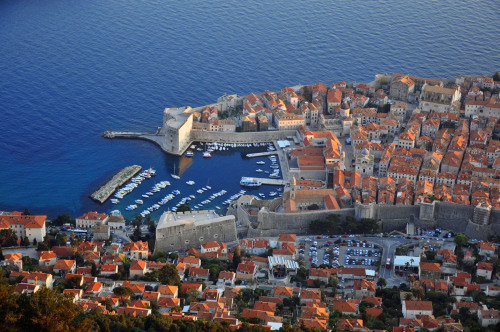 The old city of Dubrovnik 18 April 2013, 18.30 CET Location: Dubrovnik, Croatia