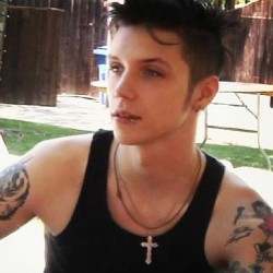 .@cathiemarie2012 | Mr Andy Biersack :). Black Veil Brides. Advocates for bullying  on We Heart It - http://weheartit.com/entry/62154525/via/blackdahliaqueen   Hearted from: http://web.stagram.com/p/460360273792357907_224281556