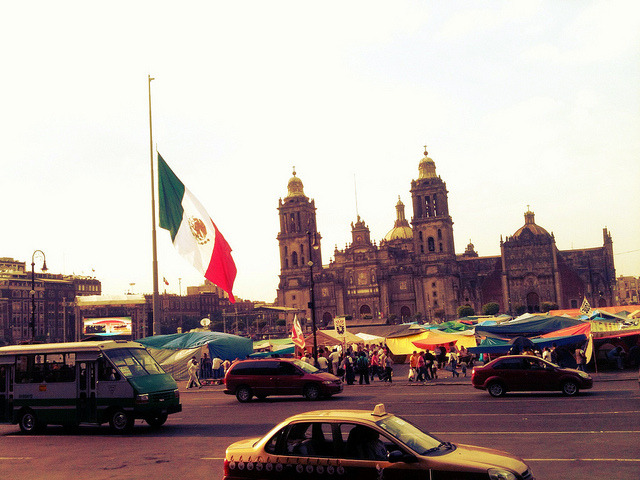 Una tarde en el zócalo on Flickr.
