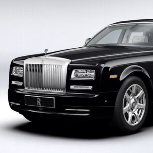 toradman:  Happy 10th Anniversary to a new classic #RollsRoyce #Phantom #Classic #Car