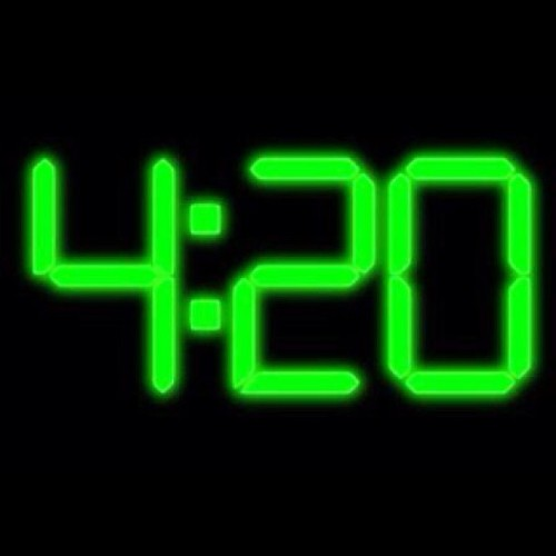 agak94:  HAPPY 420 :)! 👌🍁🚬 #420 #weed