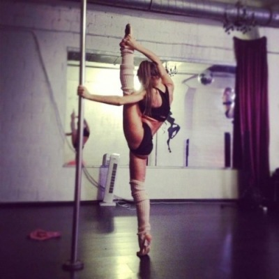 dontcare-justlive-now:  Because pole dancing is an art to   Pole art