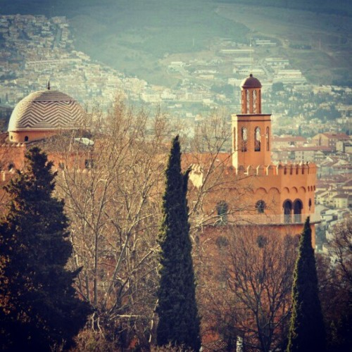Hotel Alhambra Palace from the #Alhambra fort. #alhambra #giwflashback #arabian #giwtravel #giwspain #giwgranada #mytravelgram #travelingram #gf_brunei #brunika  (at GIW Travelogues)