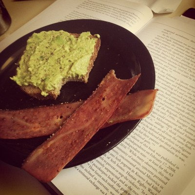 charleesss:  Brain food for my exam #toast #avocado #stonemill #bread #sproutedwholegrain #chickenbacon #pepper #delicious #instafood  From my personal tumblr :)